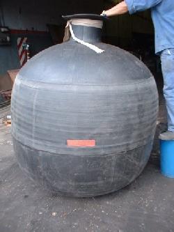 Vejigas de caucho para tanques compensadores del golpe de ariete aptas para liquidos cloacales Productos de goma